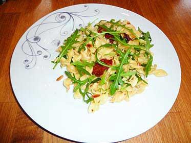 Salade de pates aux pignons sans sel